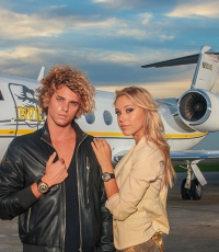 Techno-Marine-Airplane-Gulfstream-GIV-Alexis-Ren-Jay-Alvarrez-watches-6030