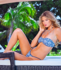 Beach-Society-Bikini-girl-sexy-Pool-lounge-chair-Miami-8544